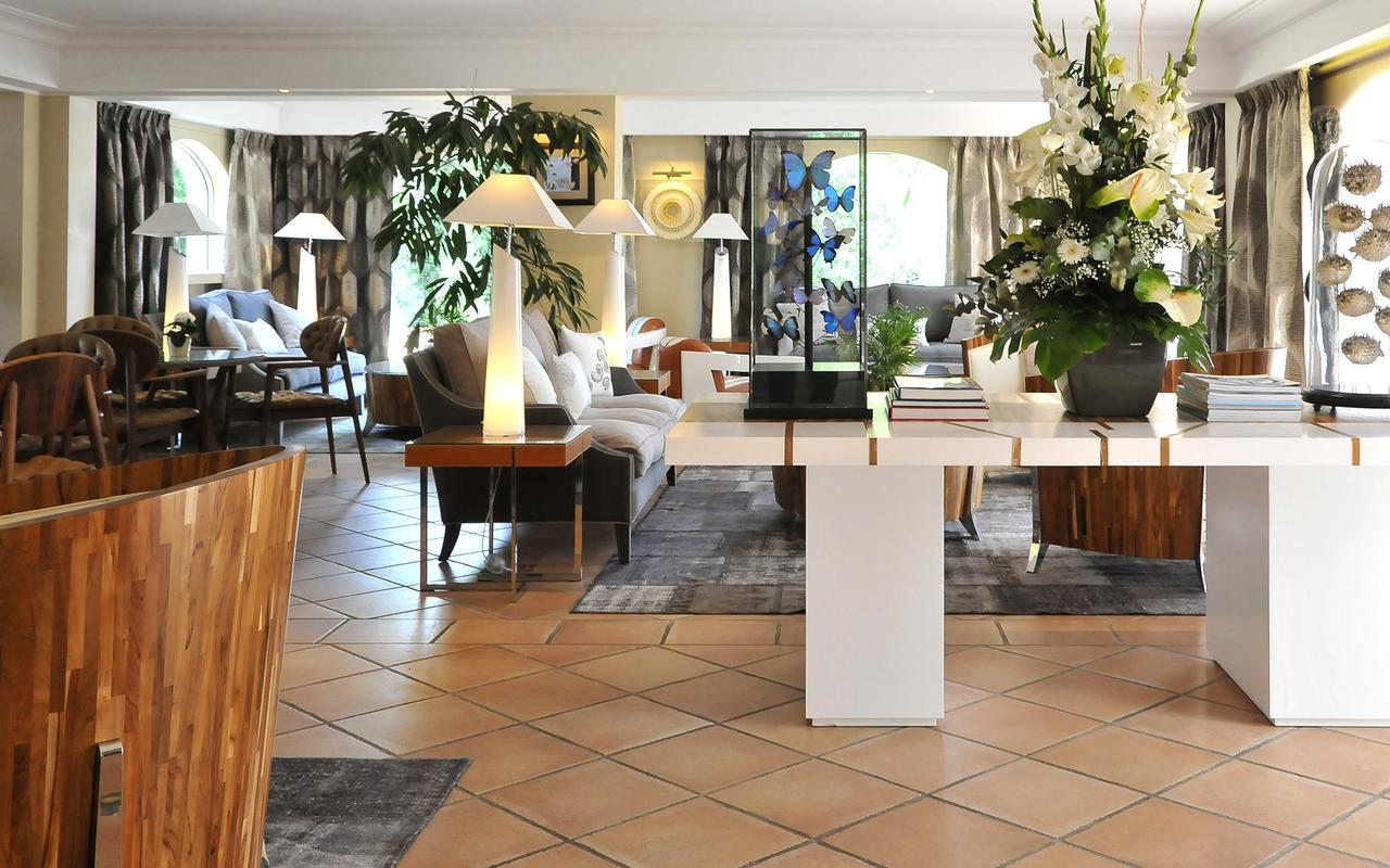 Reception hotel Impérial Garoupe French Riviera